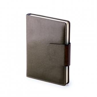 Ежедневник недатированный Prestige, А5, черный, бежевый блок, без обреза, ляссе, магнитный клапан