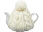 Чайник на 750 мл в теплой вязаной шапочке. Сохранит ваш напиток горячим и согреет вас в морозный зимний день!